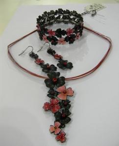 Jewelry set from Yiwu Qinasi